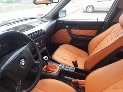 Оригинальные модельные чехлы на сидения для автомобиля BMW E39 седан/ универсал 1995-2004  (материал: твид, кожзам; любые тона)