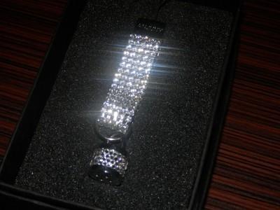 Брелок с кристаллами Swarovsky