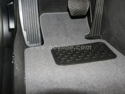 Коврики в салон (Novline) для BMW 1 E88 2d 2008-2013, 4 шт. (текстиль, чёрные, серые, бежевые)
