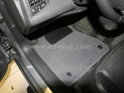 Коврики в салон (Novline) для Cadillac CTS 2003-2007, 4 шт. (текстиль, чёрные, серые, бежевые)
