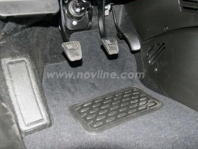 Коврики в салон (Novline) для Chevrolet Niva 2009-н.в., 5 шт. (текстиль, чёрные, серые)