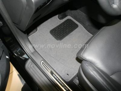 Коврики в салон (Novline) для Hyundai Grandeur 2011-н.в., 5 шт. (текстиль, чёрные, серые, бежевые)