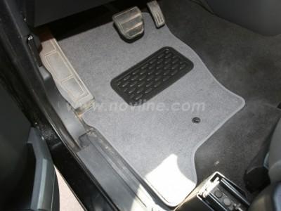 Коврики в салон (Novline) для Land Rover Discoveri III 2005-2009, 5 шт. (текстиль, чёрные, серые, бежевые)