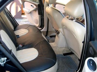Оригинальные модельные чехлы на сидения для автомобиля Hyundai Santa Fe Classic 2001-2006 (материал: твид, кожзам; любые тона)