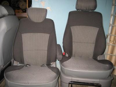 Оригинальные модельные чехлы на сидения для автомобиля Nissan Serena 5 мест/ 7 мест 1999-2005  (материал: твид, кожзам; любые тона)