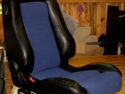 Оригинальные модельные чехлы на сидения для автомобиля Iveco Daily 1+2 / 1+1 2007-н.в. (материал: твид, кожзам; любые тона)