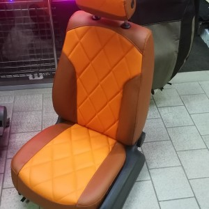 Модельные чехлы для сидений автомобилей (твид, кожзам)
