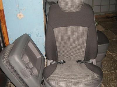 Оригинальные модельные чехлы на сидения для автомобиля Mitsubishi Grandis 2003-н.в. (материал: твид, кожзам; любые тона)