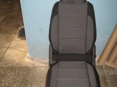 Оригинальные модельные чехлы на сидения для автомобиля Ford Fusion 2002-2005 (материал: твид, кожзам; любые тона)
