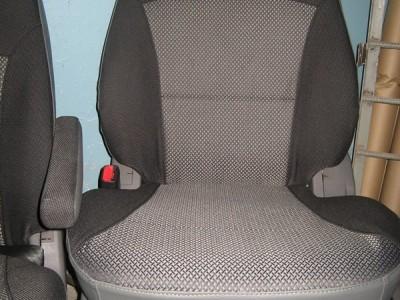 Оригинальные модельные чехлы на сидения для автомобиля Volkswagen Touran 2003-н.в. (материал: твид, кожзам; любые тона)